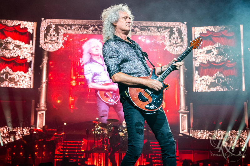 Brian May Duets With Younger Self In 'Back To Light' Video
