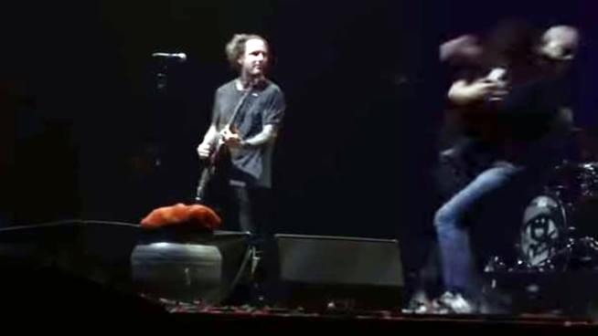 Russian Selfie-Seeker Tackled at Stone Sour Show