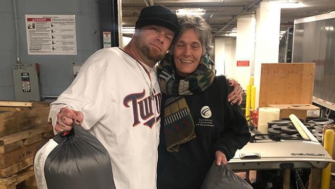 Ivan Moody Donates 50 Sleeping Bags to Minneapolis & St. Paul Homeless