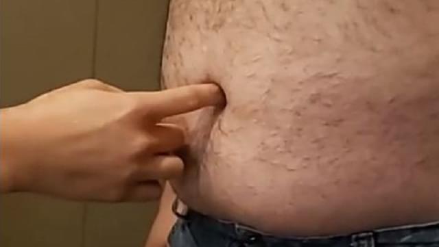 Ashley Sticks Her Finger In Ross's Belly Button