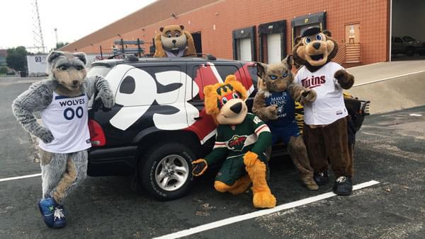 WATCH: Nick's Mascot Surprise Party / Ross' Practice Race