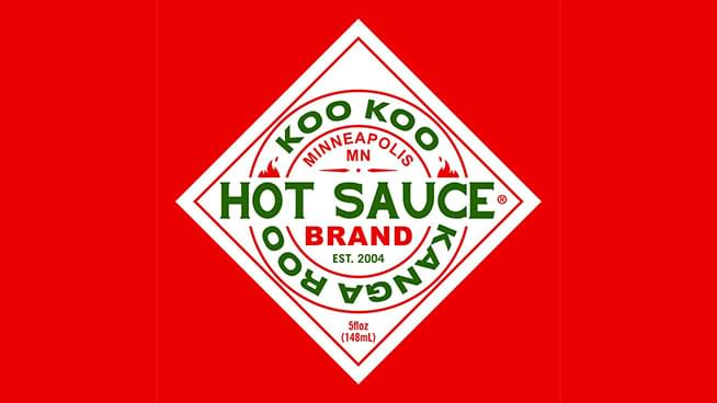 "Koo Koo Kanga Roo Performs ""Hot Sauce"""
