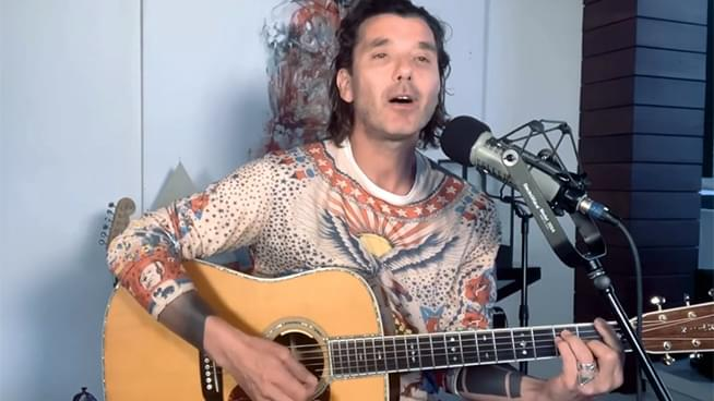 Bush's Gavin Rossdale Performs a Solo Acoustic/Electric Set from Home