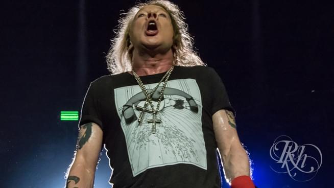 "Guns N' Roses Share ""Black Hole Sun"" Cover"