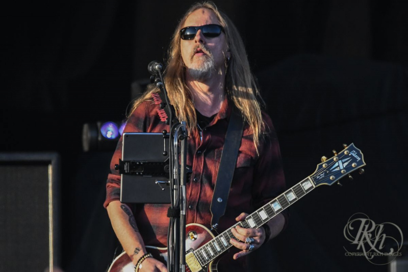 Guitar Eddie Van Halen Gifted Jerry Cantrell Went Missing for 20 Years