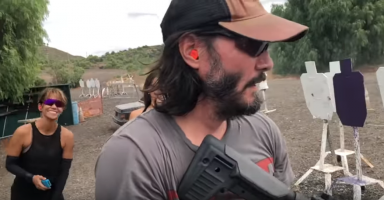 VIDEO: Keanu Reeves Murders this Run with an MPX as Halle Berry Looks On