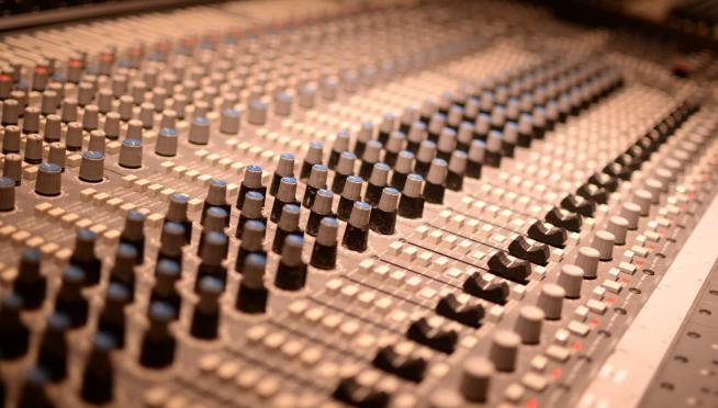 Trent Reznor returns to the studio for new NIN