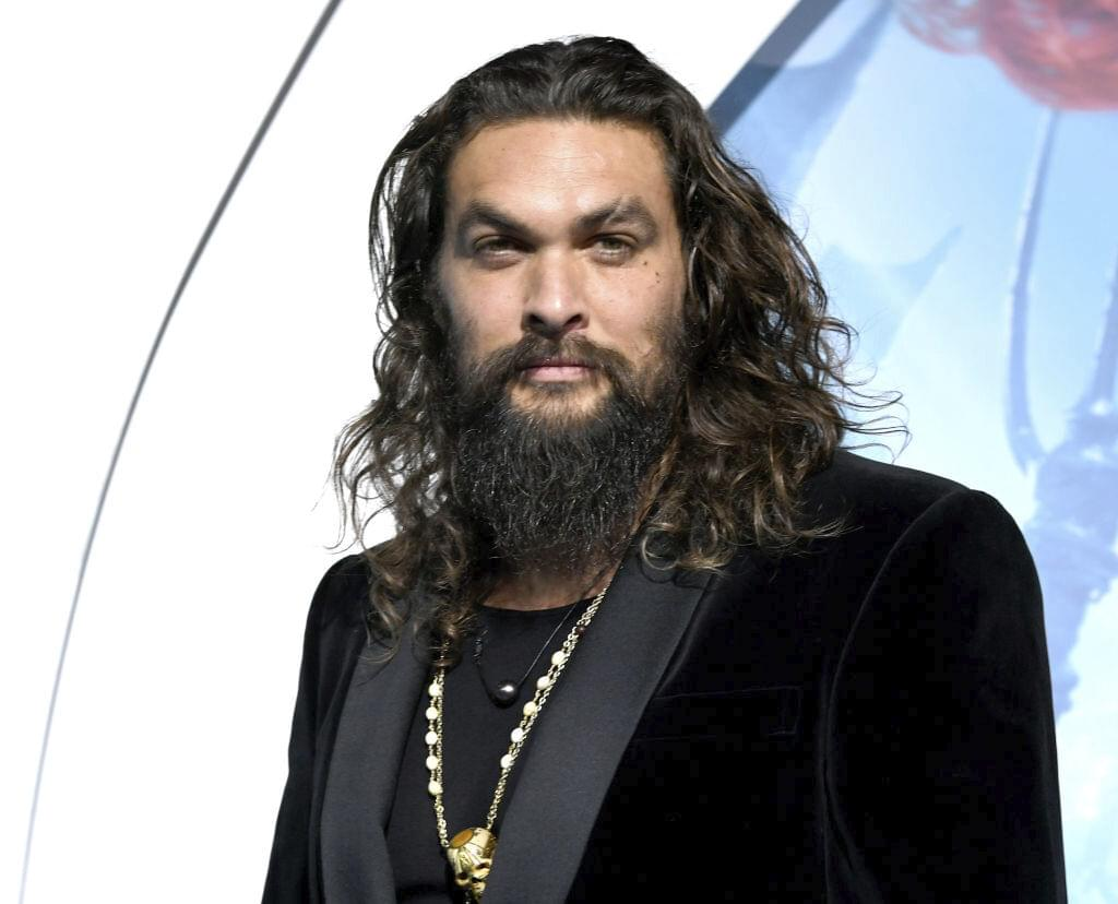 WATCH: Jason Momoa Feeding a Cookie to a Bear from His Mouth!