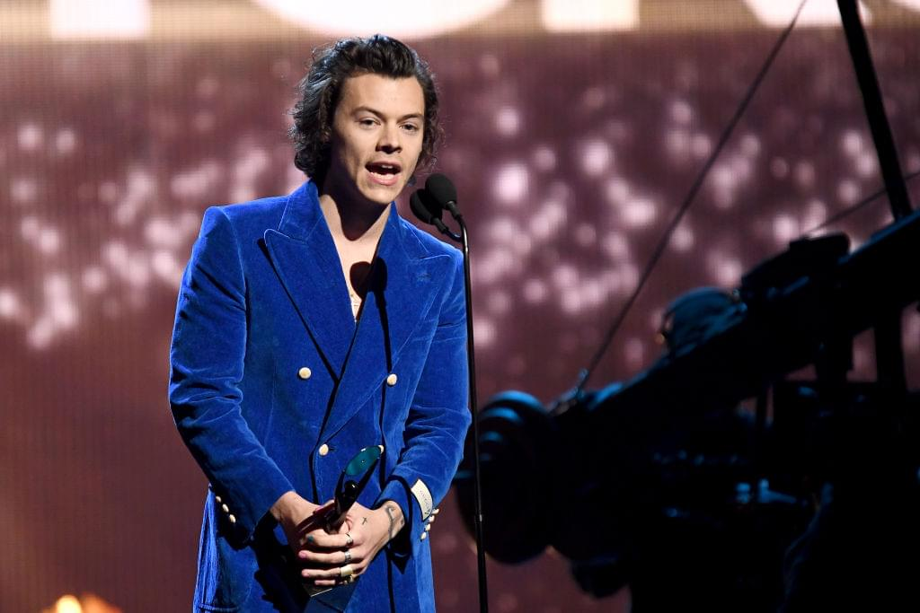 Harry Styles On SNL & Premiere of New Single | Q-Daily