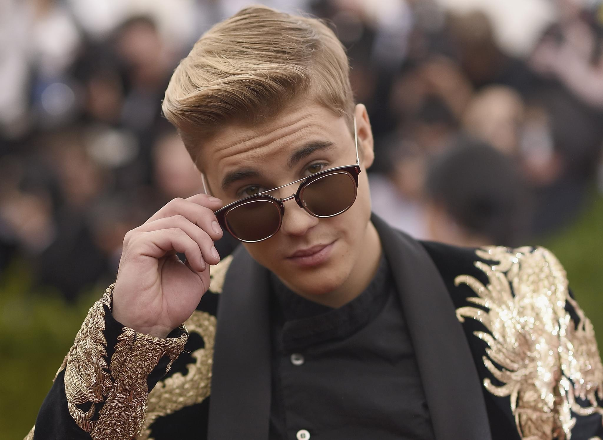 WATCH: Justin Bieber FINALLY Shaves Off Mustache!