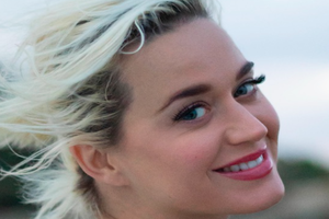 KRISTIN TALKS TO KATY PERRY ABOUT HER NEW MUSIC!