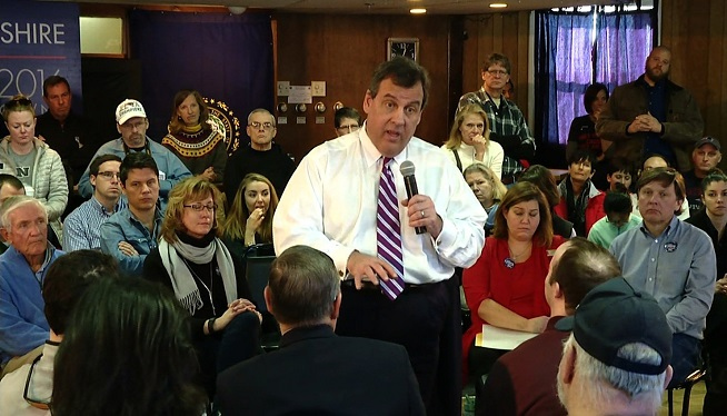 Christie campaigns in New Hampshire
