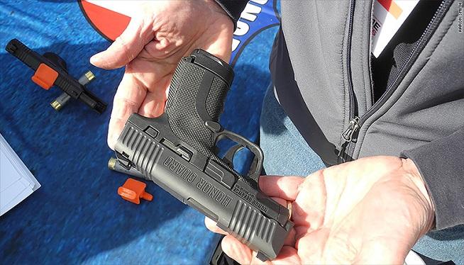 Gun makers streamline pistols for women who carry