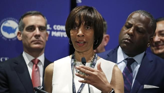 Former Baltimore mayor sentenced to 3 years in book scheme