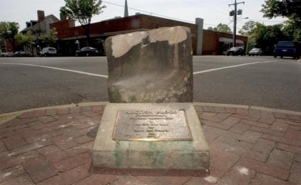 Fredericksburg Removes 176-Year-Old Slave Auction Block