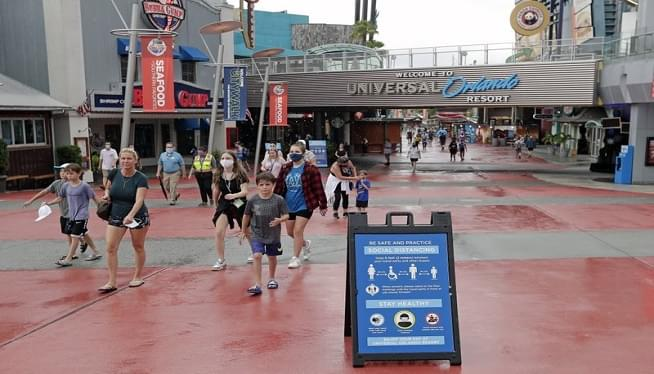 Universal Orlando laying off undisclosed number of workers