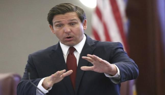 Florida governor requires schools to remain open