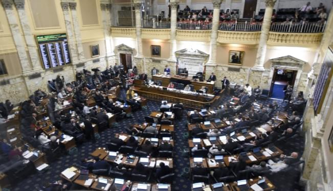Maryland lawmakers vote to expand tax credit for immigrants