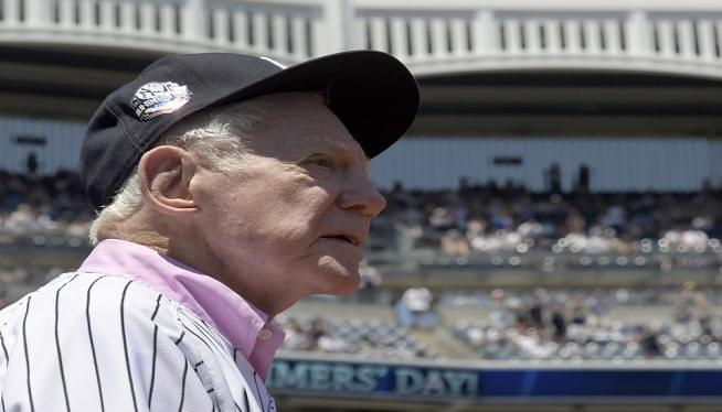 Whitey Ford, 91, pitcher who epitomized mighty Yankees, dies