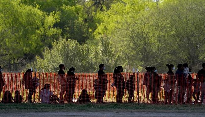 migrants 3 AP