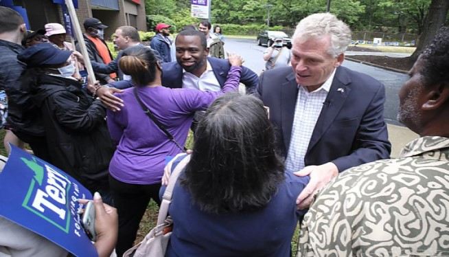 Virginia voters picking Democratic nominee for governor