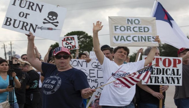 Workers push back against hospitals requiring COVID vaccines