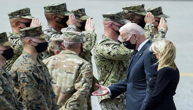 "Biden administration leaves ""hundreds"" of Americans behind in Afghanistan"