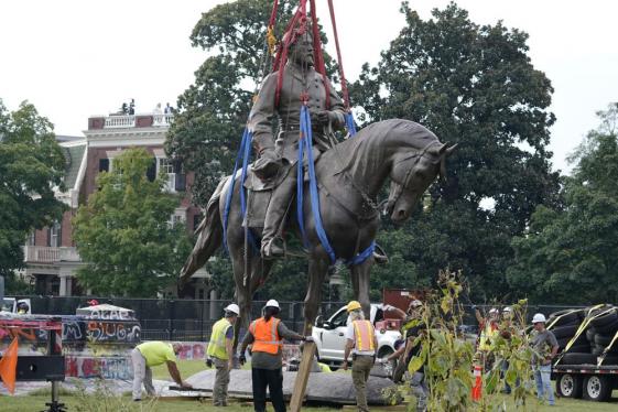 Virginia cuts Confederate Gen. Robert Lee statue into pieces