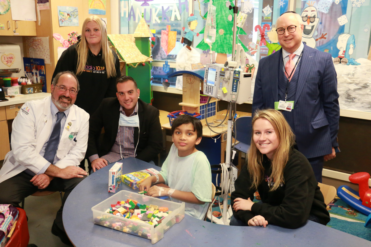 Radio 103.9 Brings the Holidays to Maimonides Children's Hospital in Brooklyn! [Exclusive Video]
