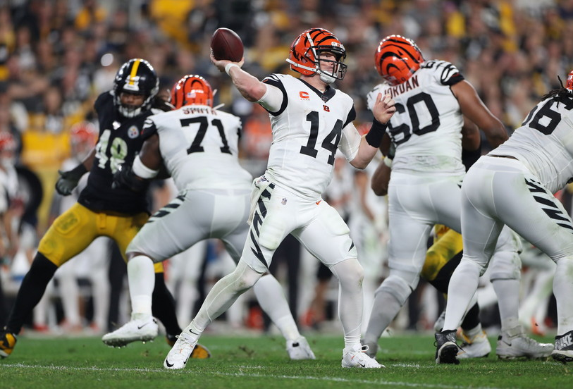 What Andy Dalton in AT&T Stadium Sounds Like | JJT Calls Play By Play