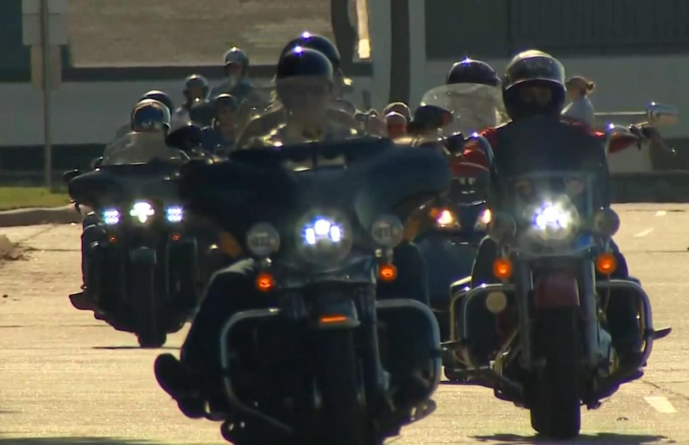1000-Vehicle Strong 'Back the Blue' Cruise Accused of 'Intimidating' Black Church in Dallas