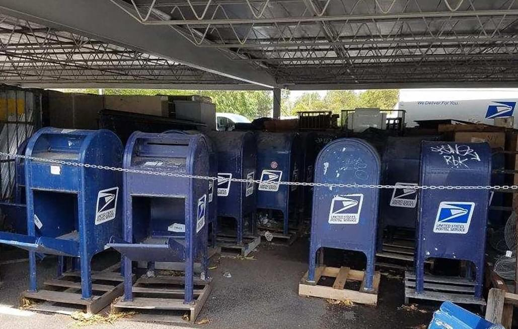 KLIF Morning News: Judge orders Post Office to back off changes