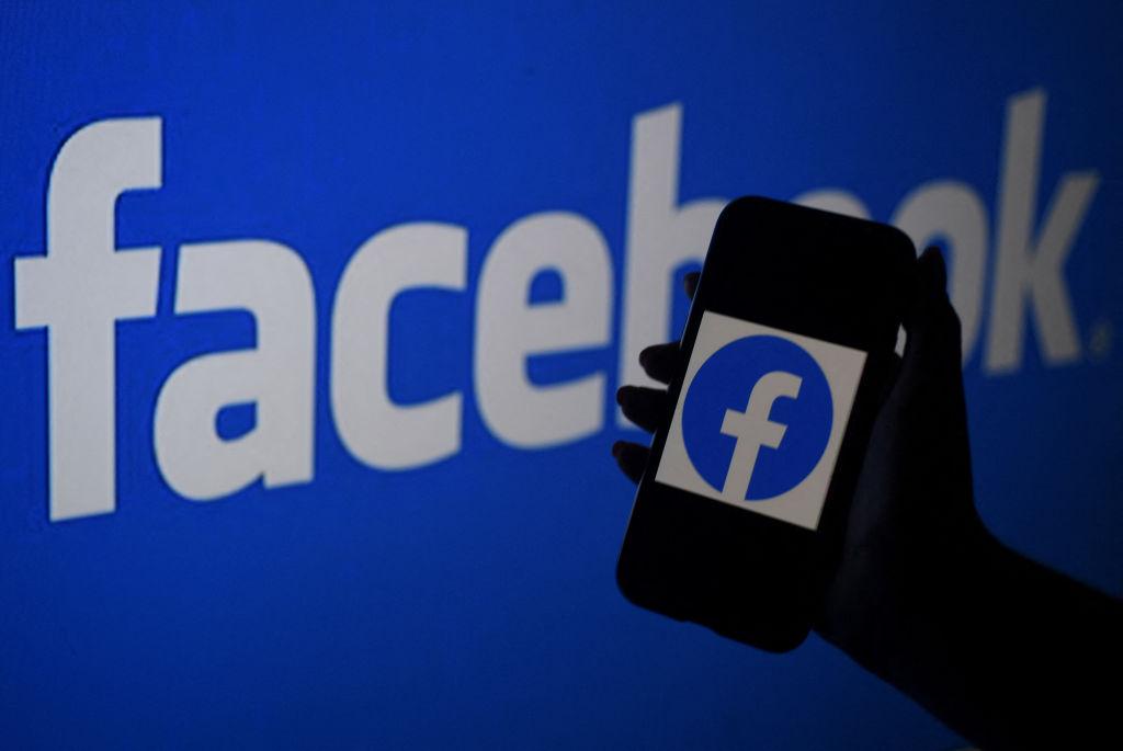 KLIF Morning News: Should Social Media Delete Kids' Posts?