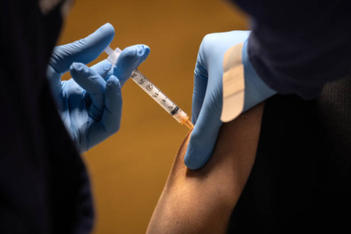 Vaccine Effort Turns Into Slog as Infectious Variant Spreads