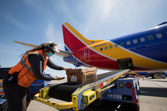 Southwest Airlines Reverses Course on Unpaid Leave for Unvaccinated Employees