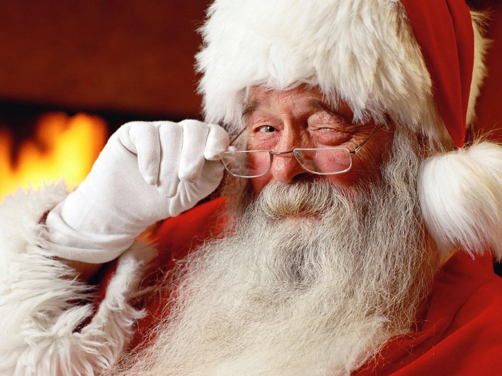 Bad Santa! Young Boy Get's Fat Shamed By Santa Claus [VIDEO]
