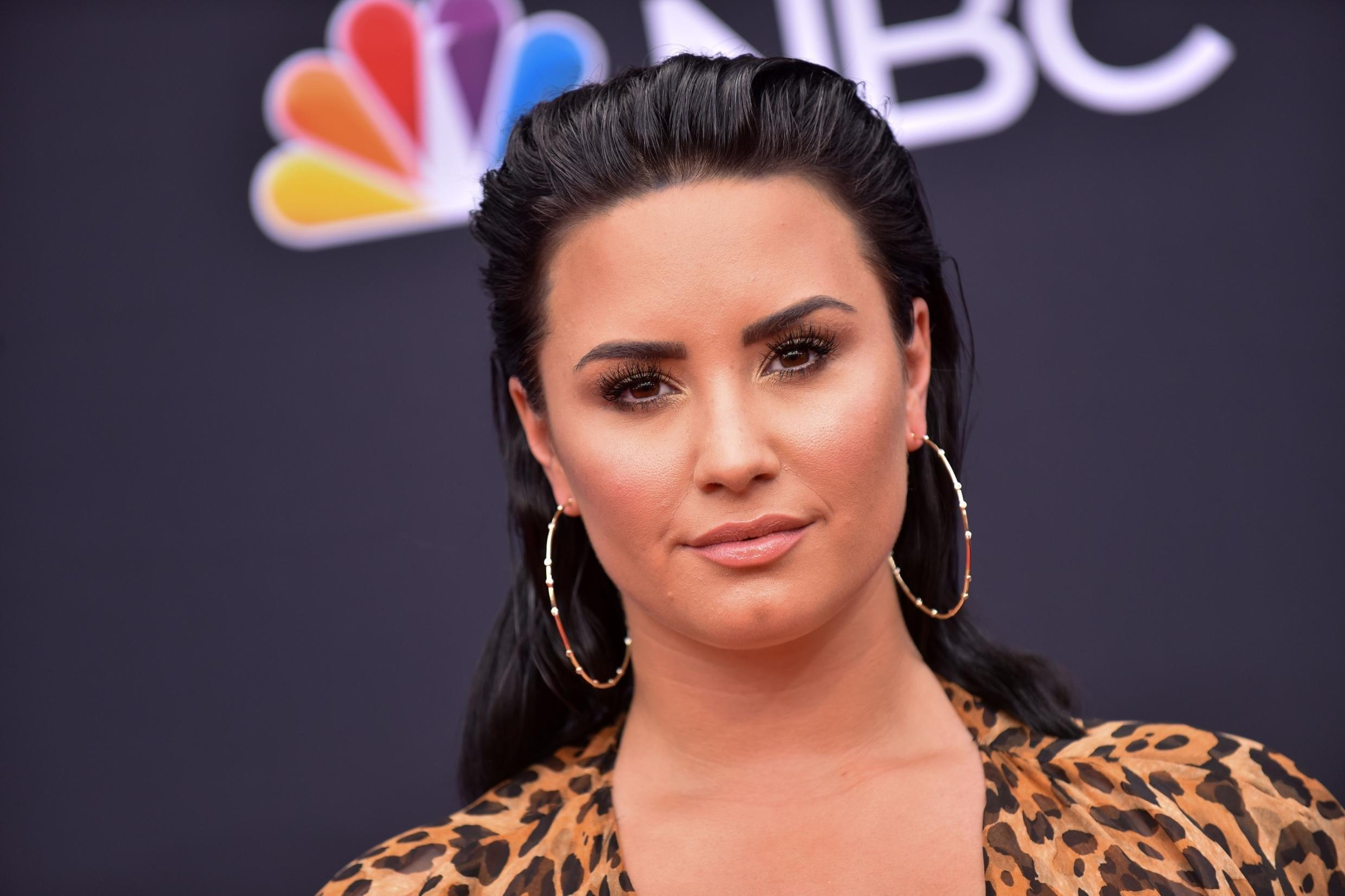 Demi Lovato Dyes Her Hair Blonde