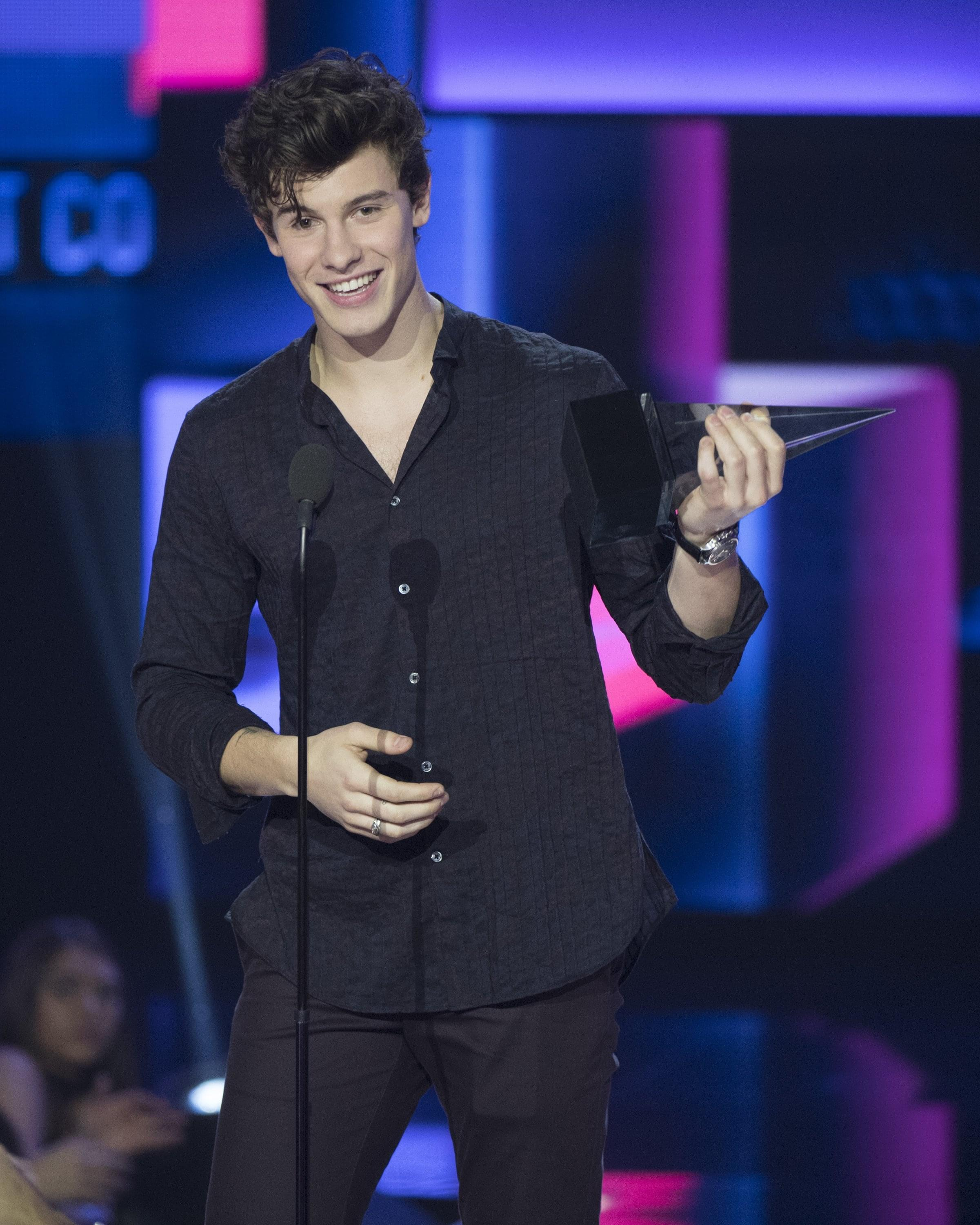 Shawn Mendes Talks About Being Single