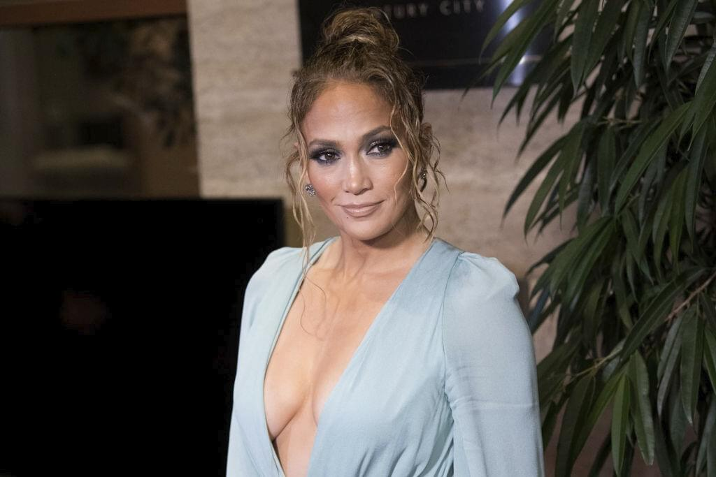 Jennifer Lopez Fans Spot Mysterious Man In the Background of Her Selfie