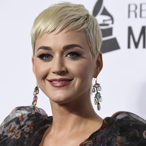 """Katy Perry Releases Title Track """"Smile"""""""