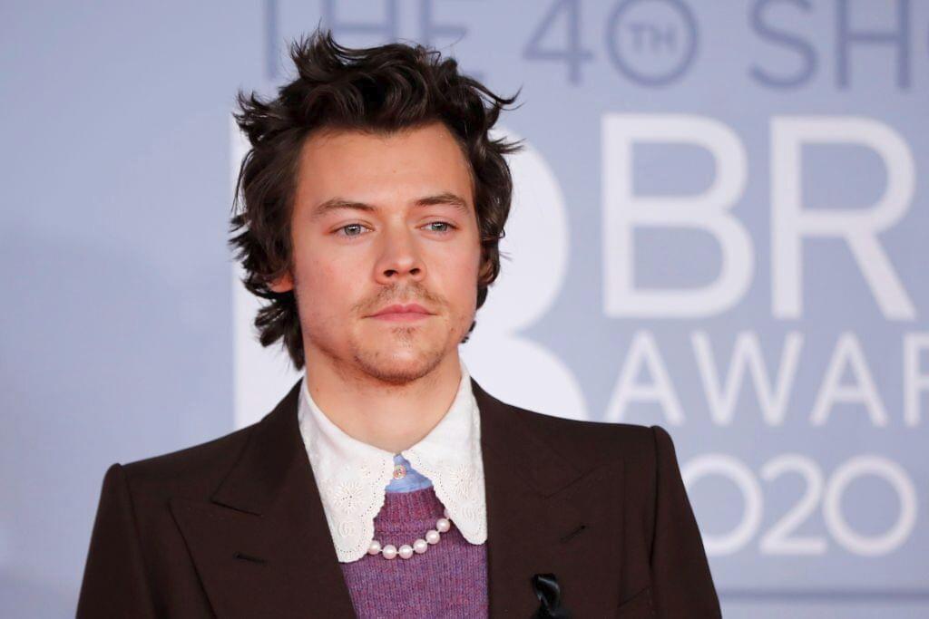 "Harry Styles ""Golden"" Music Video"