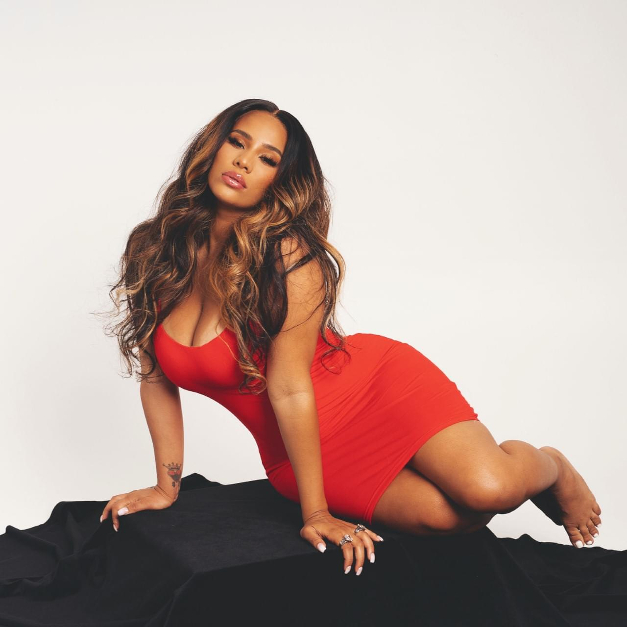 Karina Chats with Singer Cyn Santana About New EP