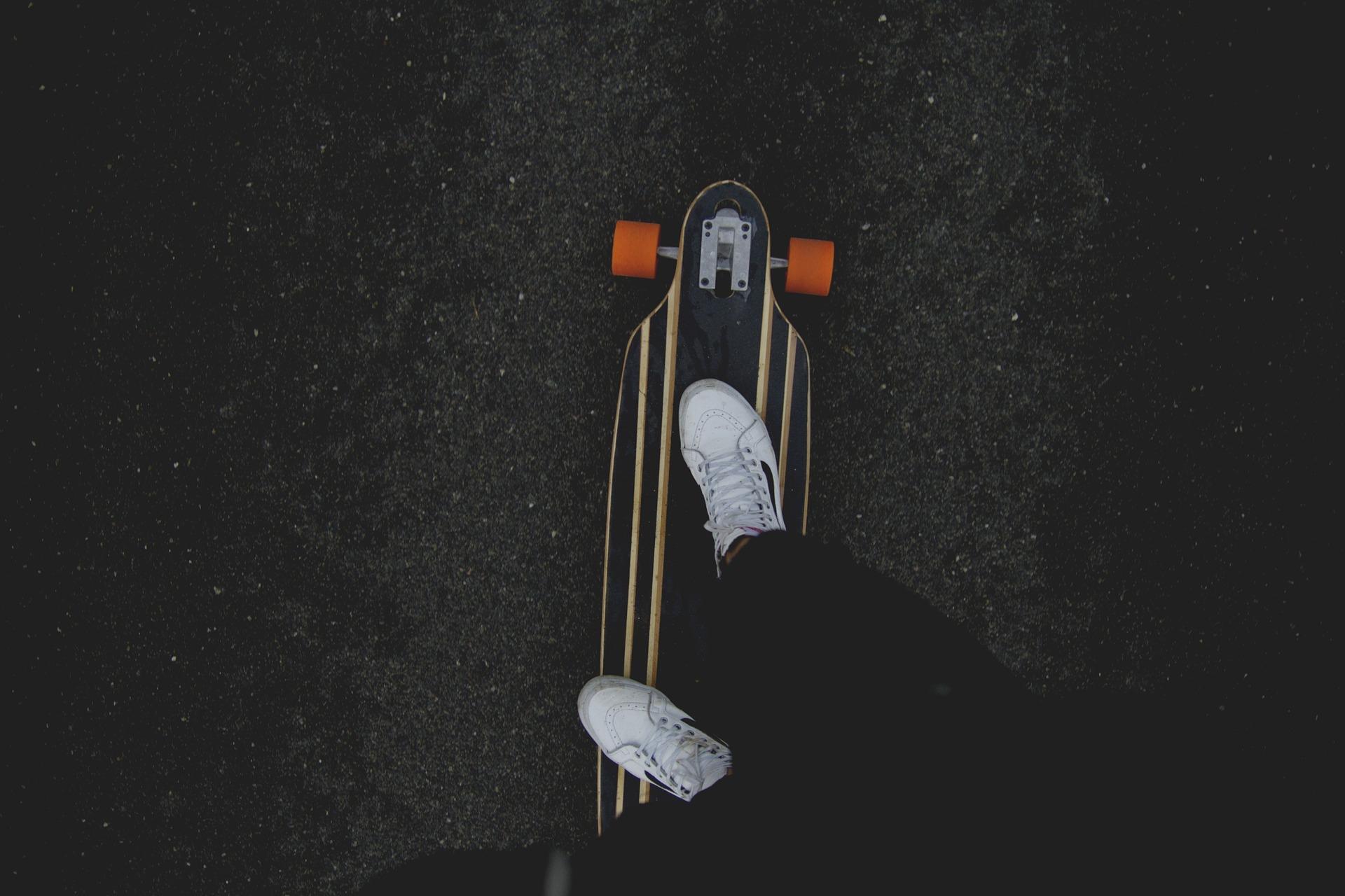 skateboard-1149863_1920
