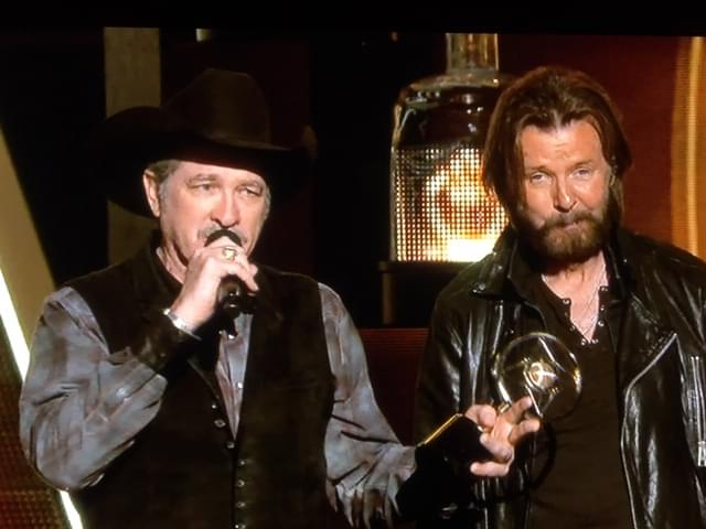 Holy Cow!  Brooks & Dunn Are Back Together And Coming To Town!