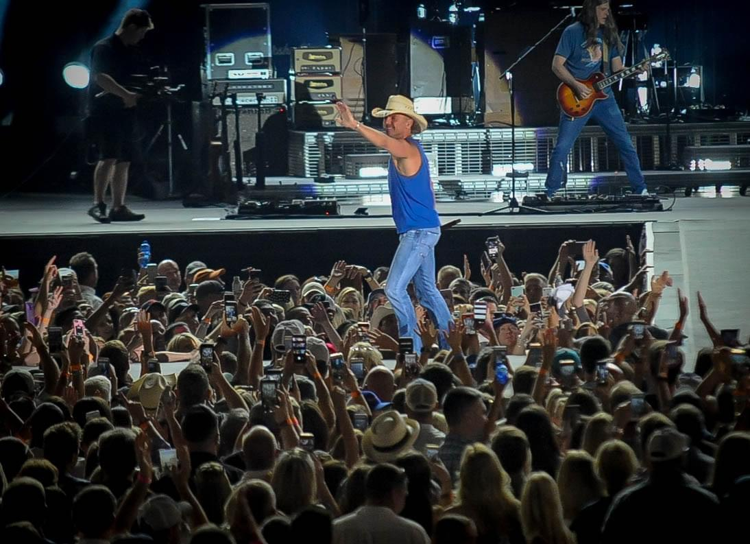 """Kenny Chesney Postpones His """"Chillaxification"""" Tour Until 2021"""