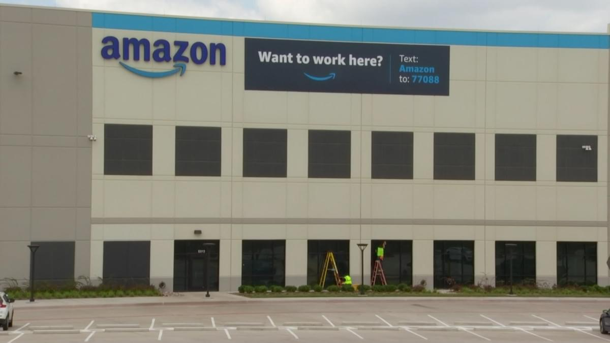 Amazon Hires 1500 For Their Fulfillment Center In Oak Cliff