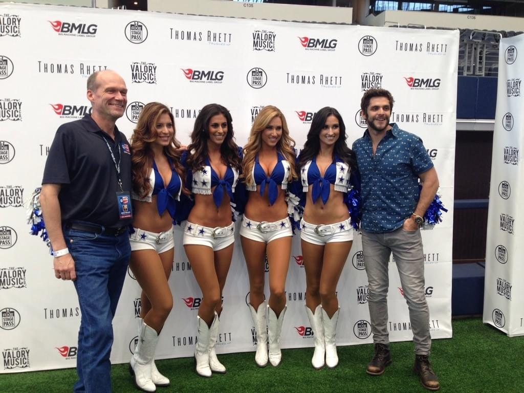 "5 Yrs Ago Today, Thomas Rhett Set The Guinness World Record For Largest ""Twister"" Game At A T&T Stadium"