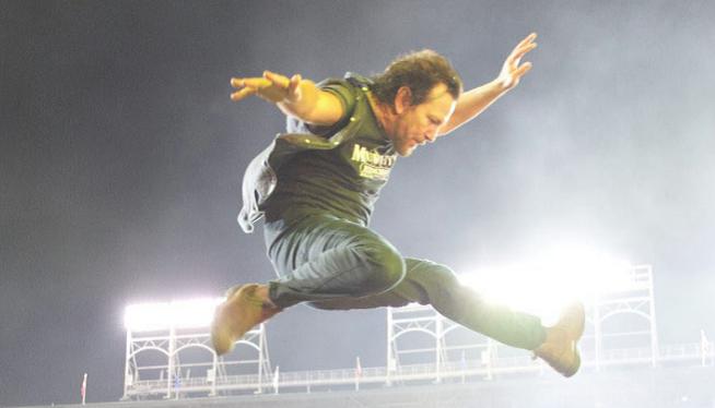 Eddie Vedder: Gets Pearl Jam for His Ohana Festival