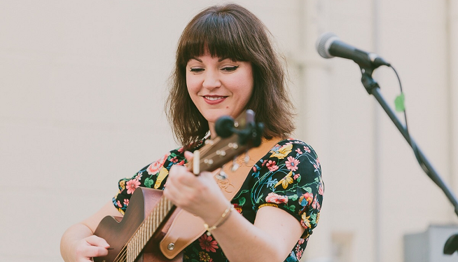 11/24/19 – Rochelle Clark at Old Town Tavern