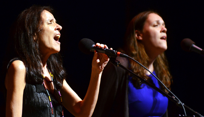 10/13/21 – Suzzy Roche & Lucy Wainwright Roche at The Ark